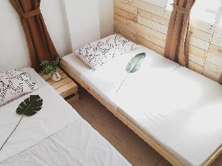 picture 1 of Pallet House For BackPackers and Couples