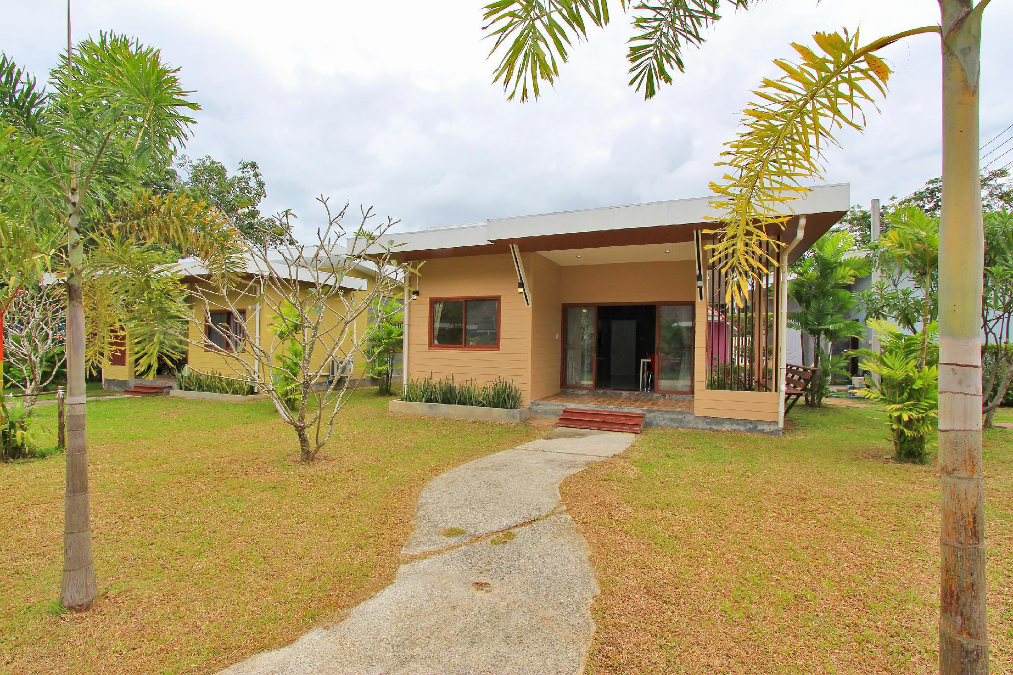 Bungalow 2 Bedroom Near Phuket Airport บังกะโล 2 ห้องนอน 1 ห้องน้ำส่วนตัว ขนาด 80 ตร.ม. – ไม้ขาว