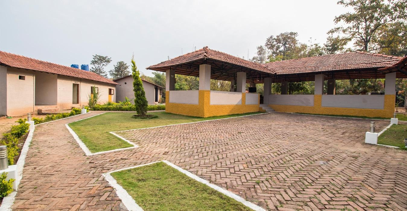 Kanha Kiskindha Resort