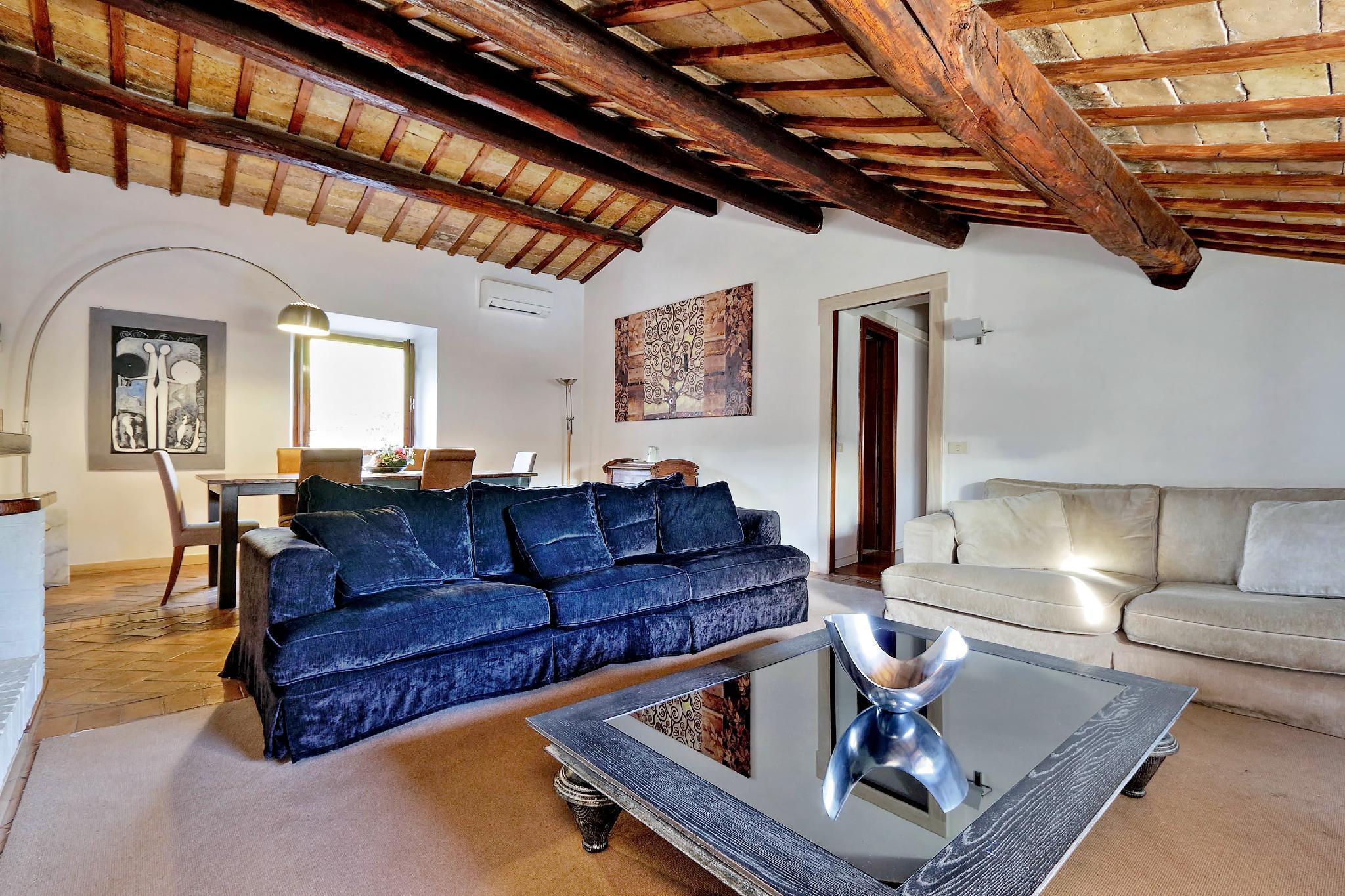 Piazza Mattei Elegant Apartment