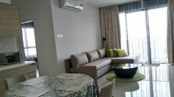Suite 3610 @ i-City- 2BR/6Pax/WiFi/2CarPark/Netflx Shah Alam