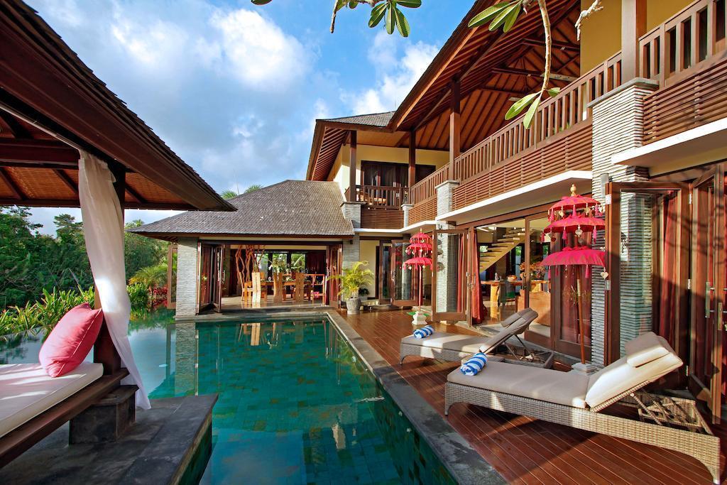 Luxurious Bale Villa With 4BDR At Canggu