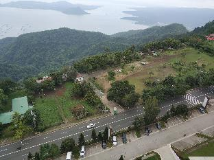 picture 2 of Taal Volcano View corner unit with Balcony