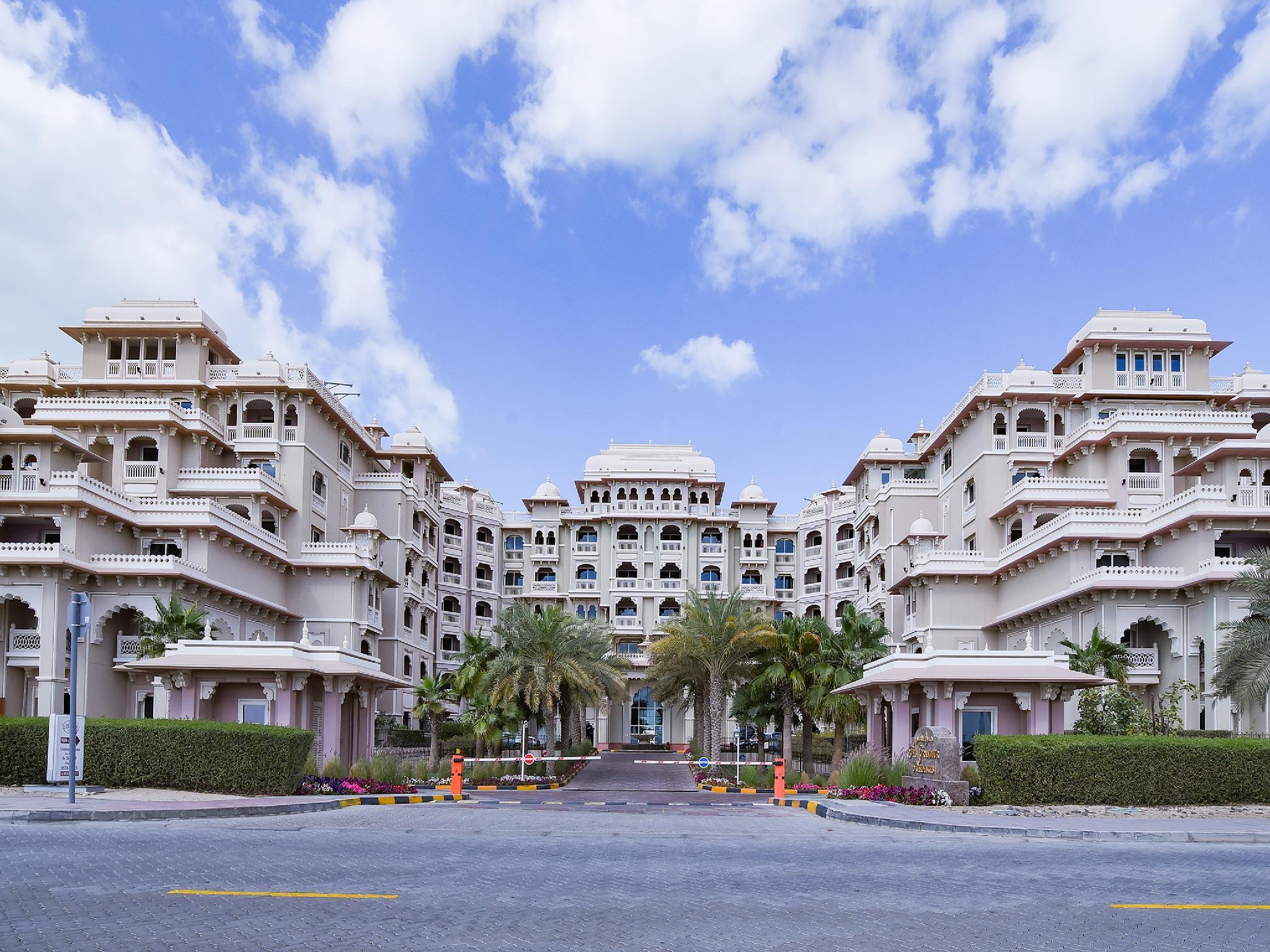 OYO Home 161 Taj Grandeur 1 BHK Apartment Palm