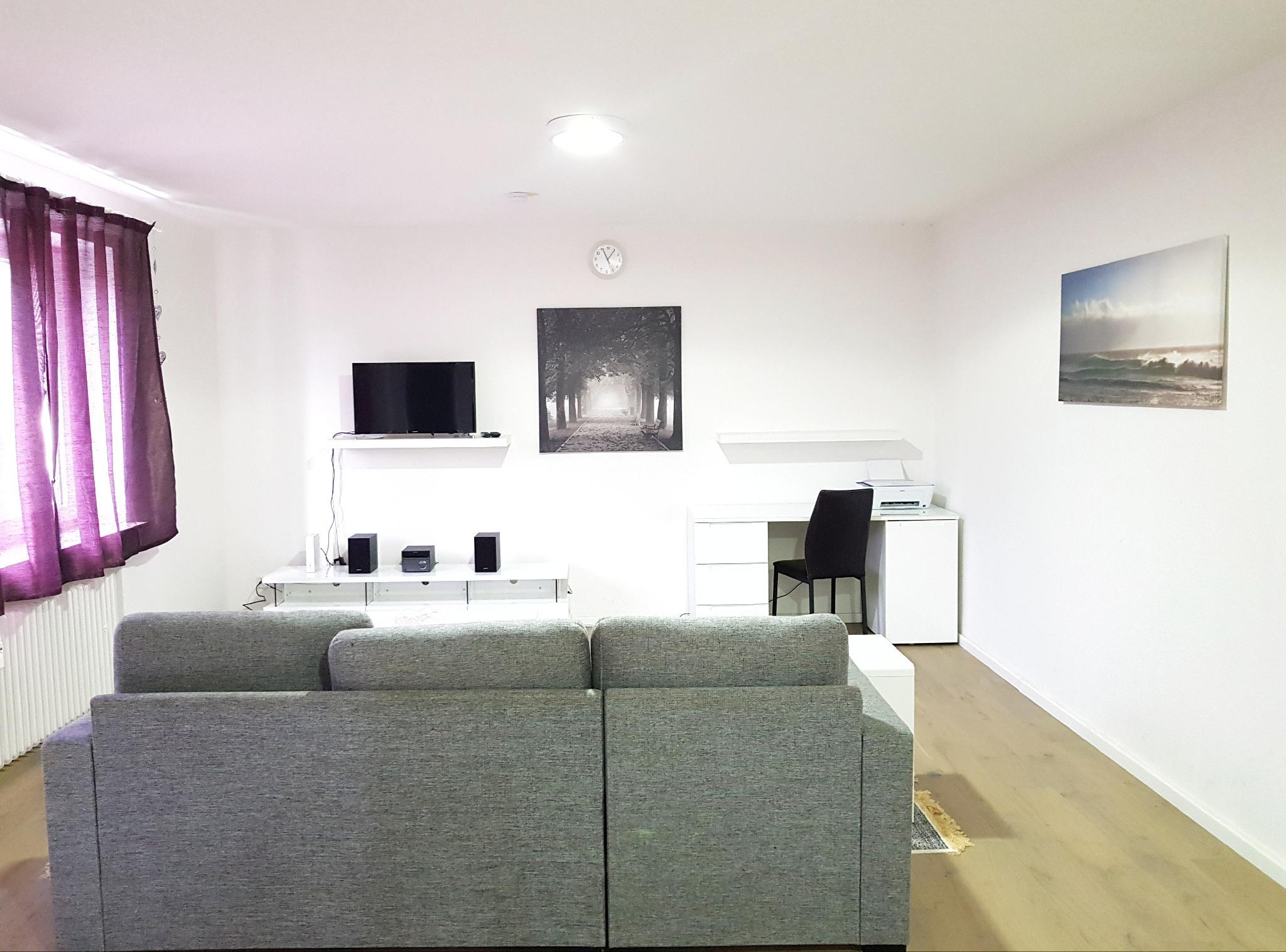 90m2 Wesel Apartment  3 Rooms And Kitchen For Groups