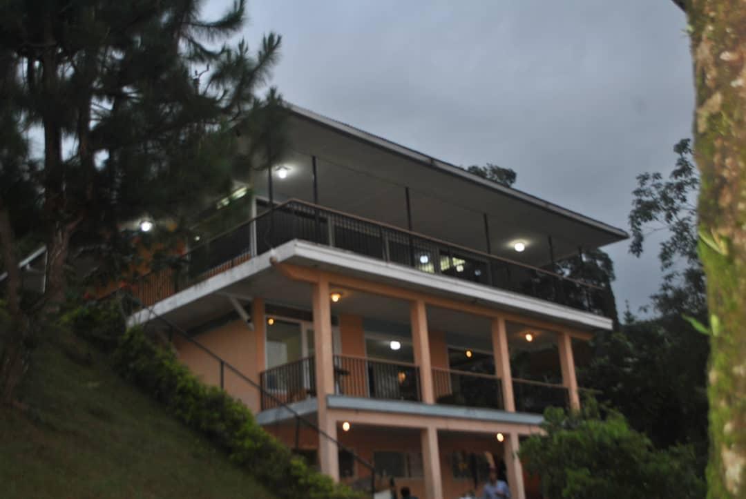 Villa Bukit Kenangan Puncak Bogor