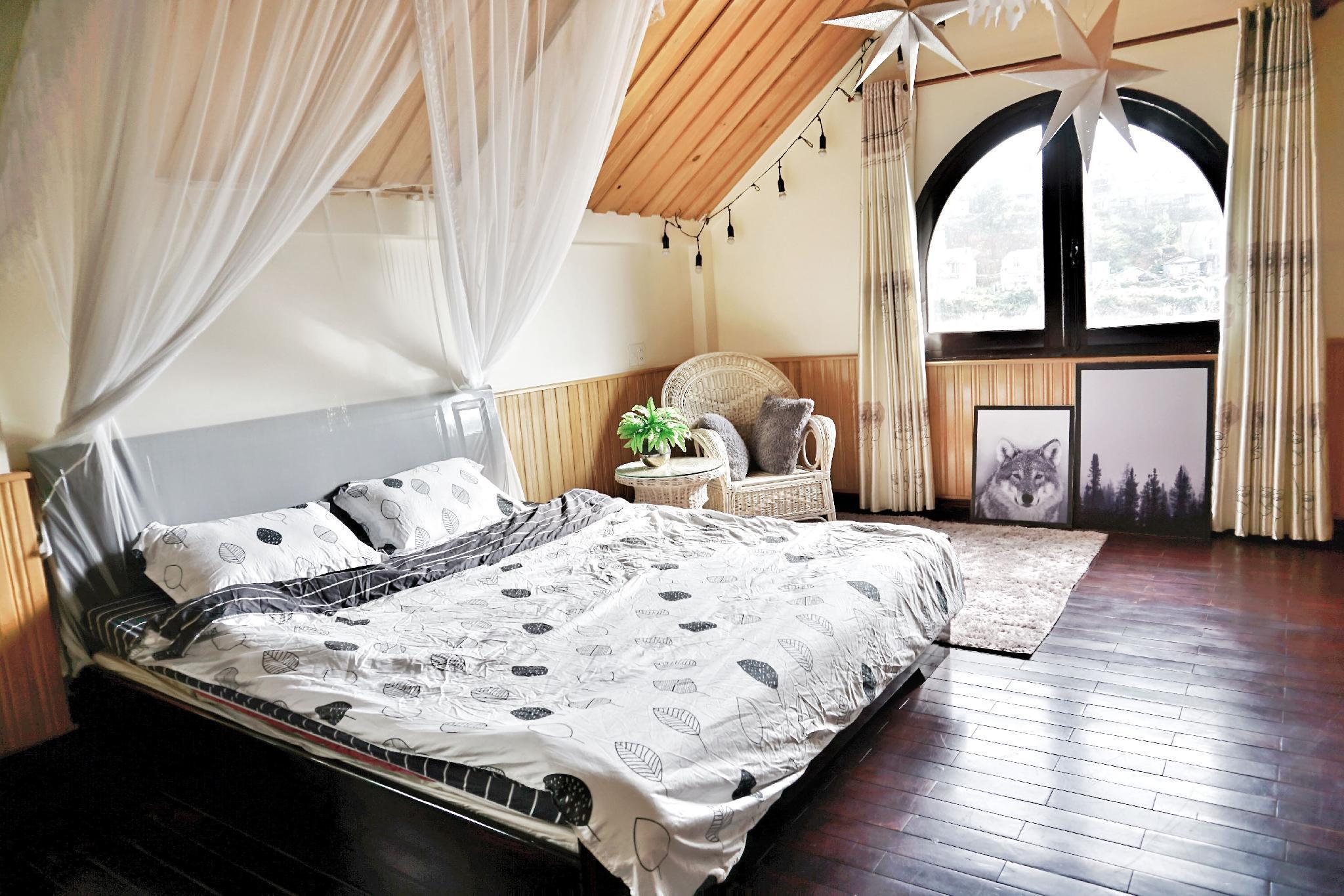 Deluxe Room   301