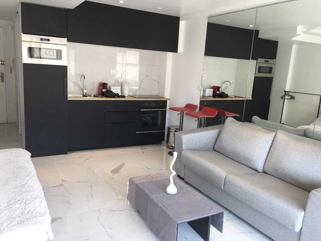 Rue Des Antibes Apartment