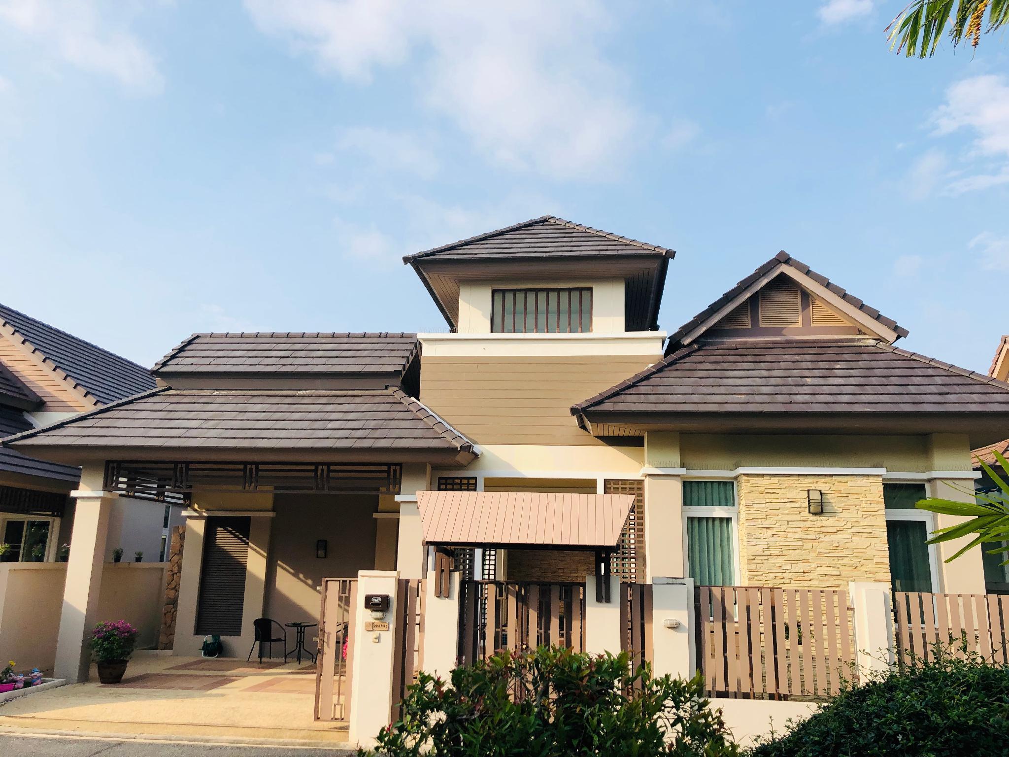 High-quality Swimming Pool Villa in Pattaya 高端泳池别墅 วิลลา 2 ห้องนอน 2 ห้องน้ำส่วนตัว ขนาด 280 ตร.ม. – มาบประชันเรเซอเวอร์