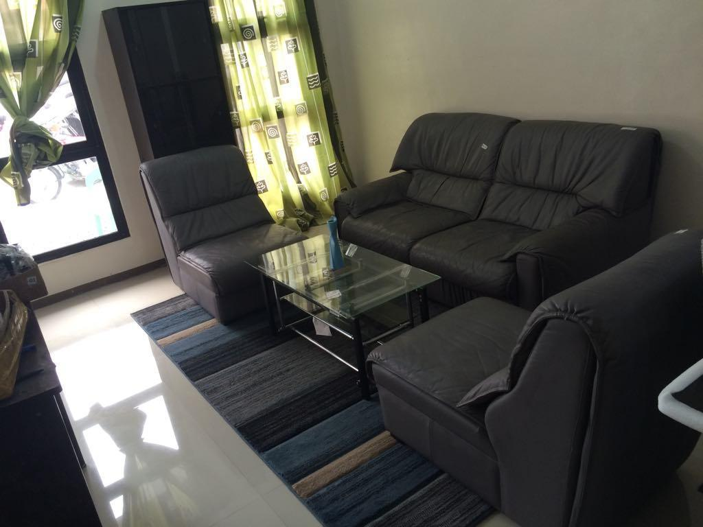 Affordable Stay @GarciaHomes   10mins To Airport