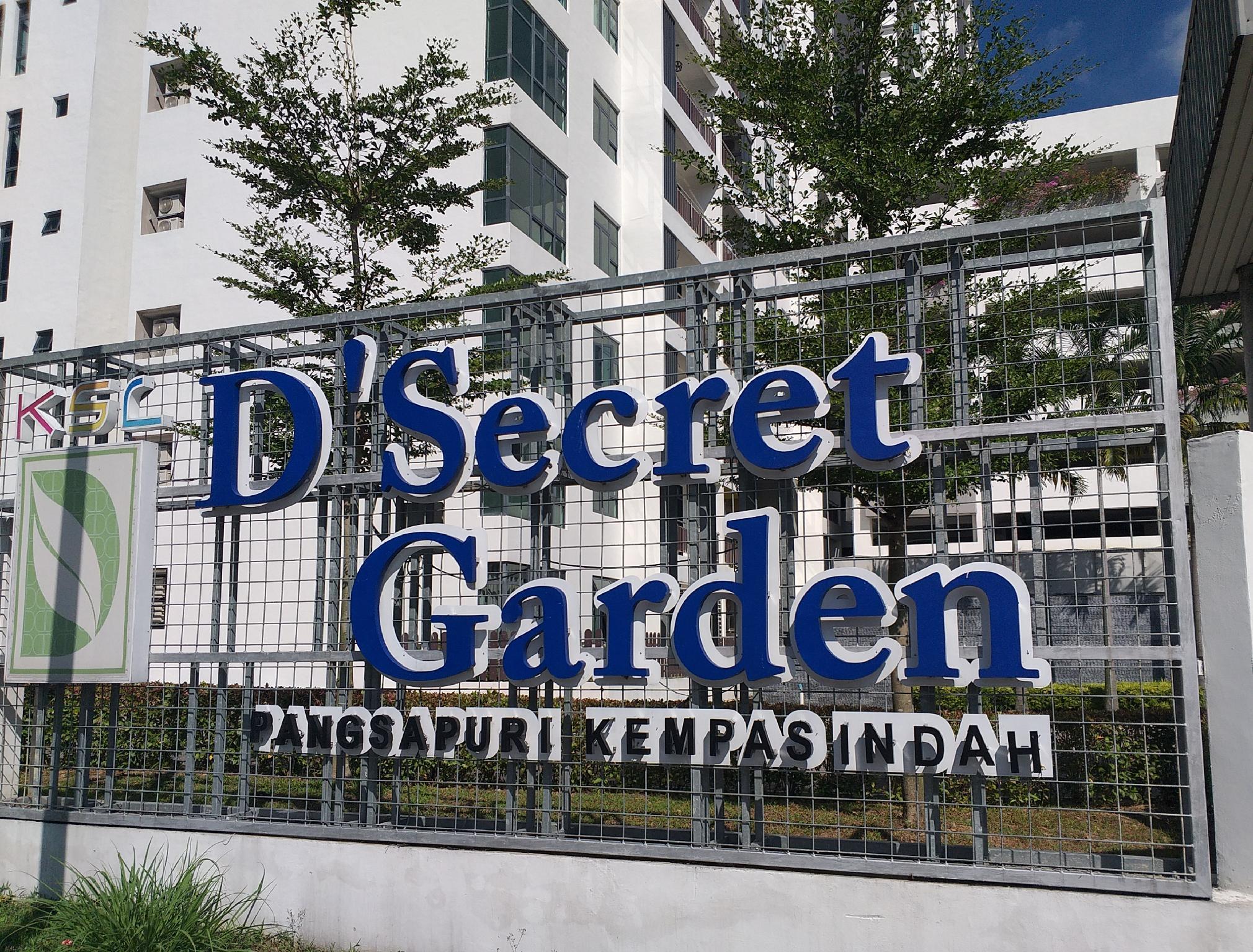 Kempas Indah D'Secret Garden Homestay