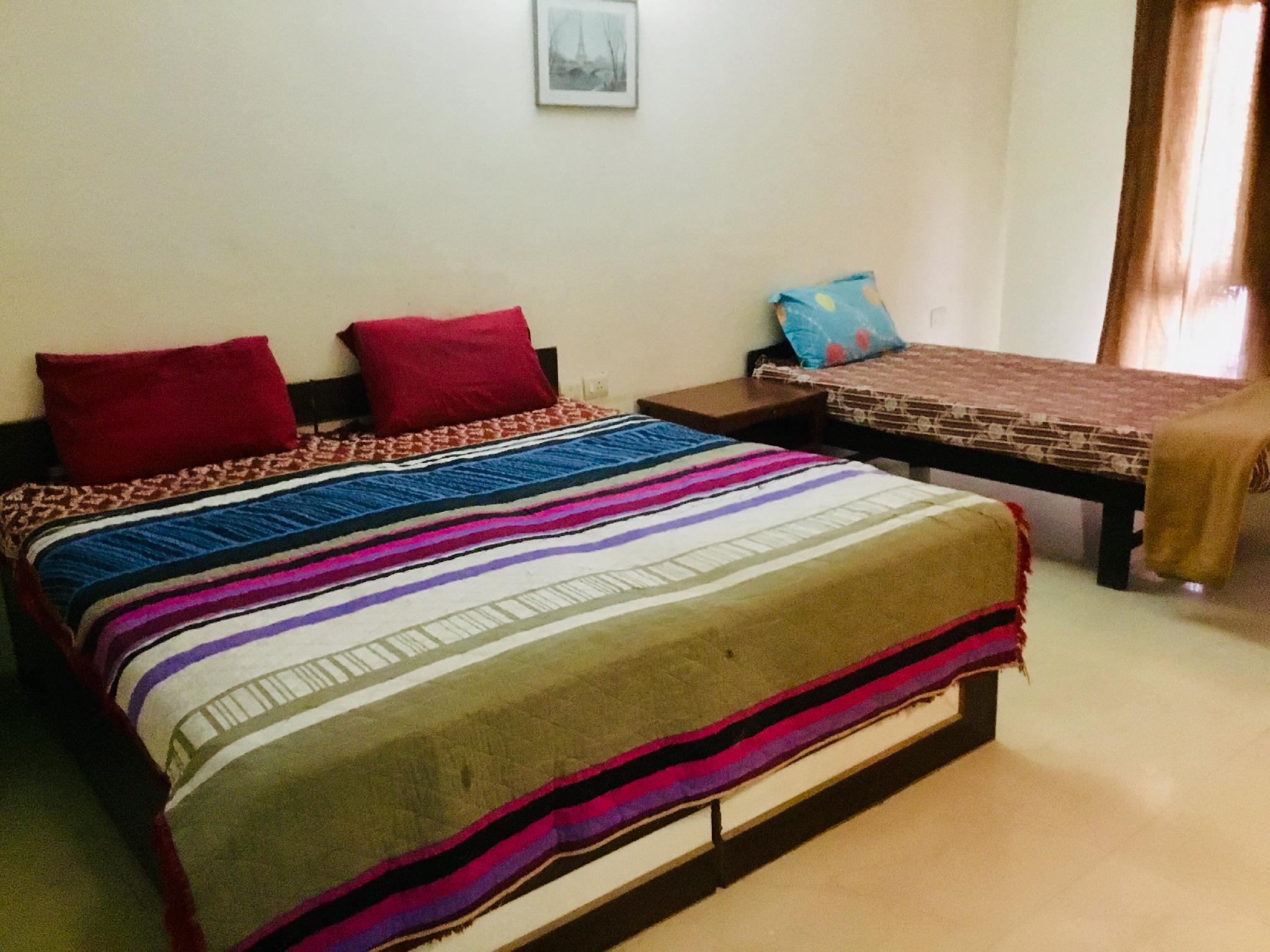 Uttam B2 Private Room @ Sohna Road Gurugram