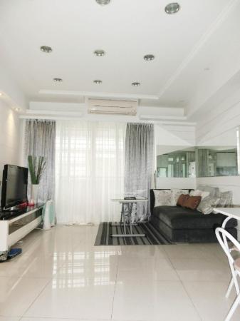 3 rooms/3 beds /2bath/ Dongmen MRT1 mins/ Yongkang Taipei