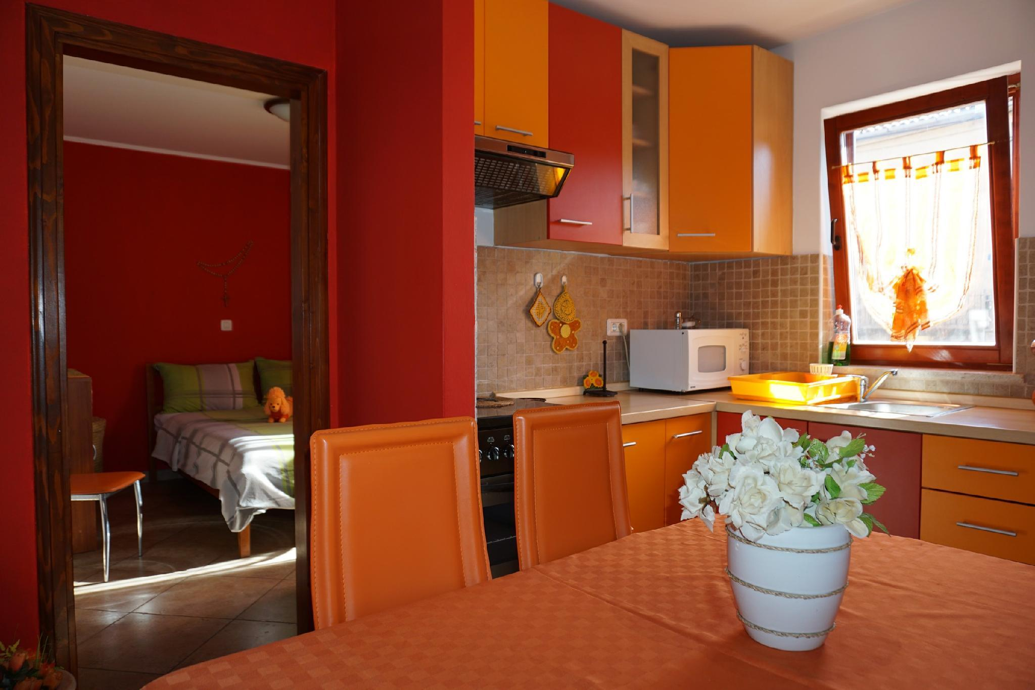 One Bedroom Apartment With Beautiful Garden NB2
