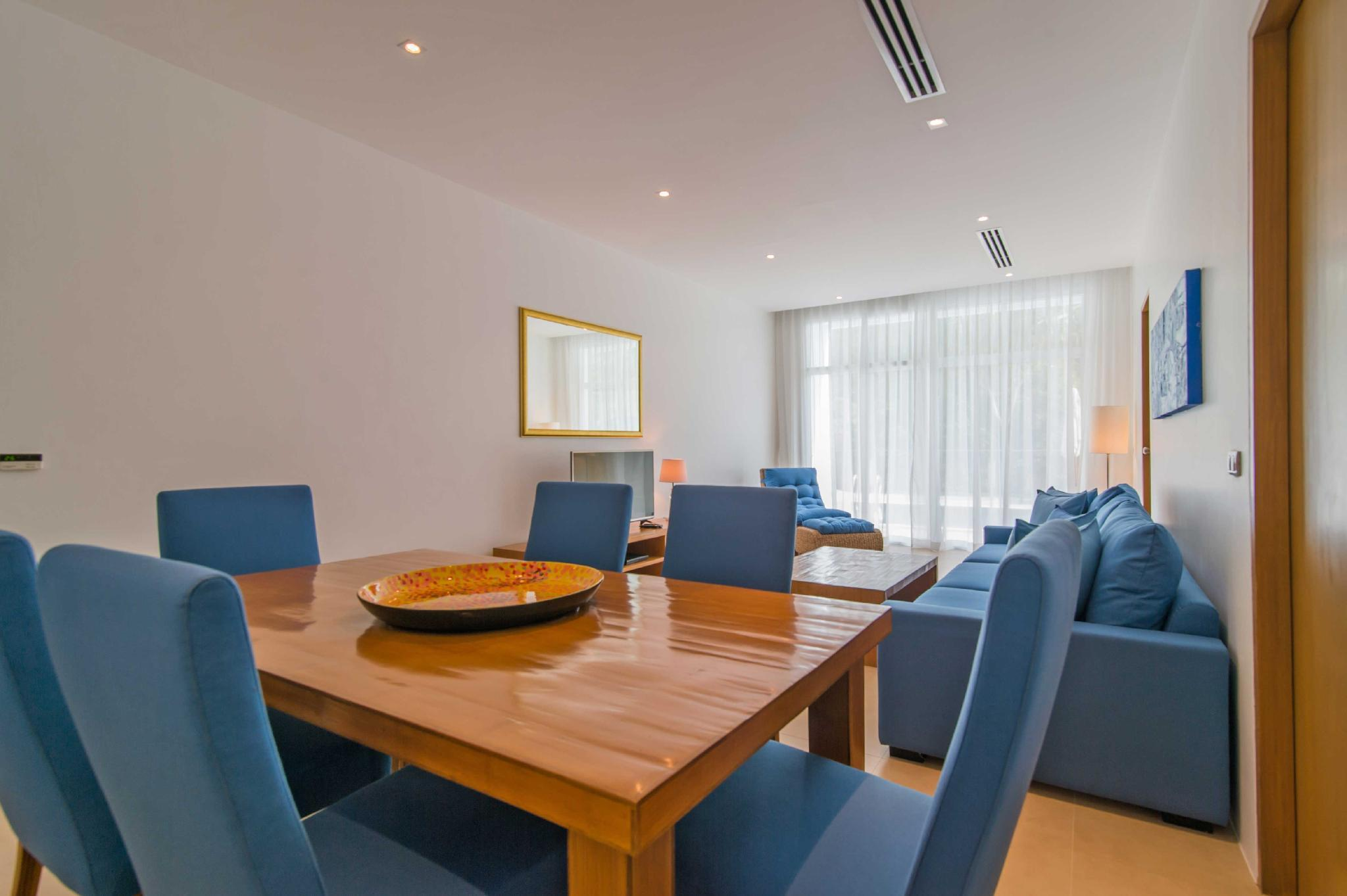 Two Bedrooms Grand Suite Pool Access C2 14