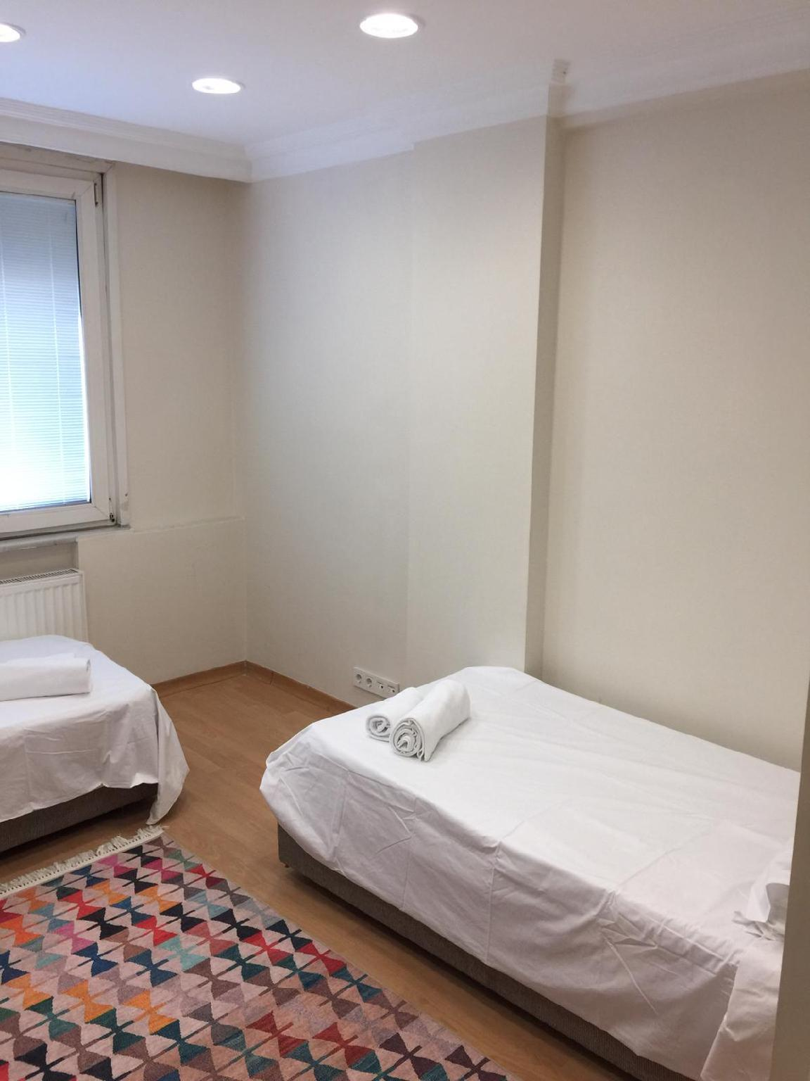 Pinar 2 BR House In Sisli For 8 Guests