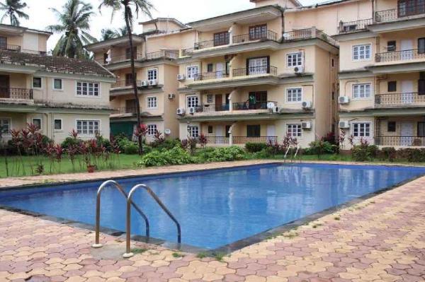 Chic 2 BHK with a pool, near Calangute Beach/73533 Goa