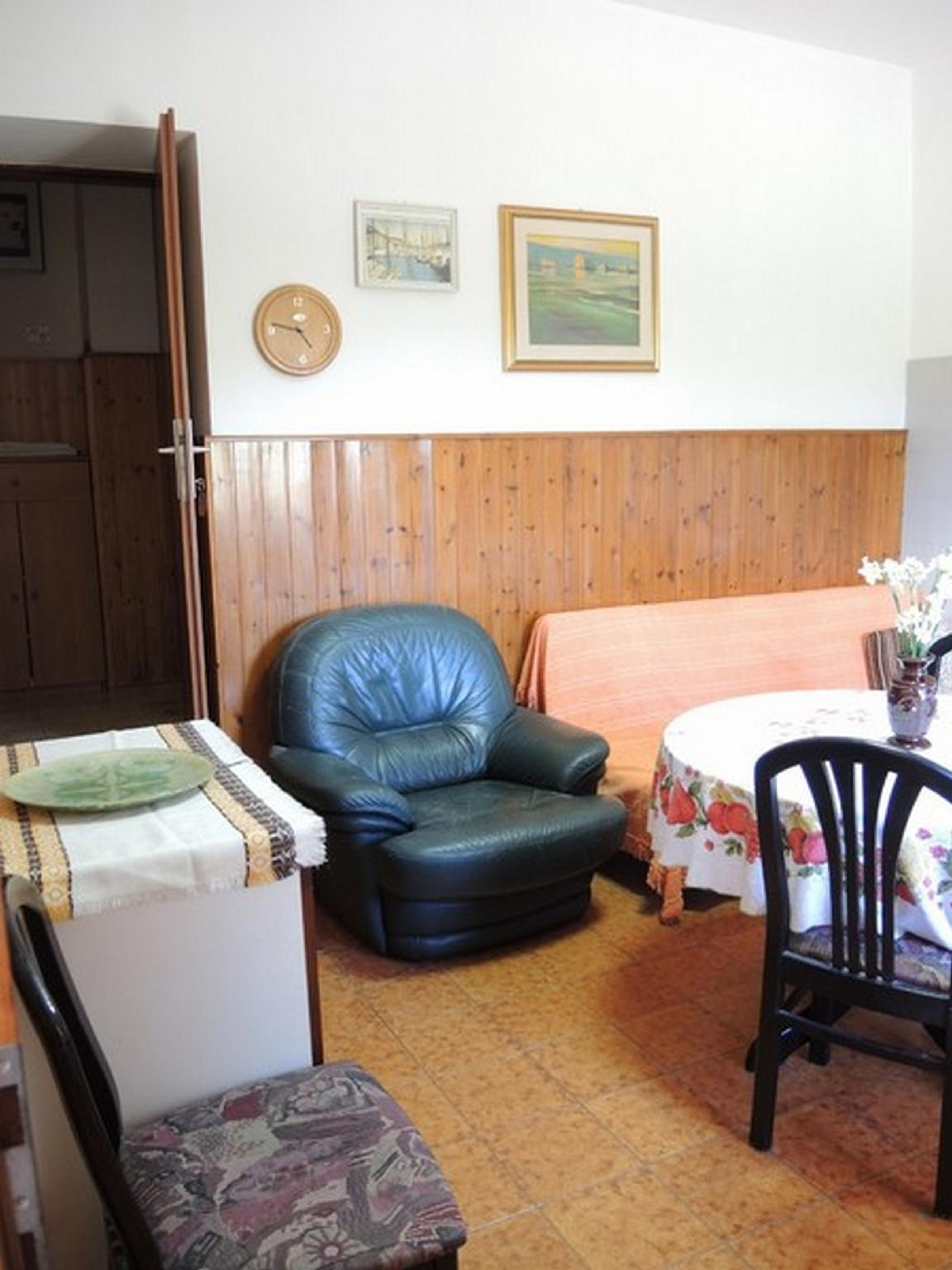 Senior Two   Bedroom Apartment MM6