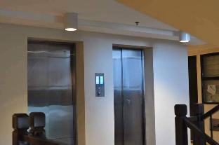 picture 4 of 1BR  Camella  Condominium w/free WiFi & Netflix 8