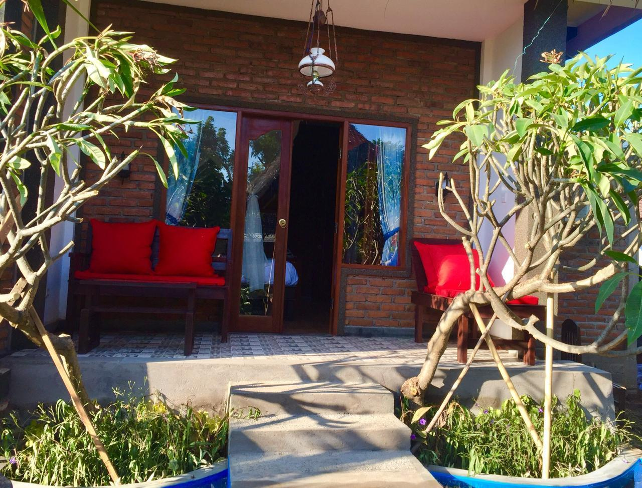 Dika Triple Bed With Garden Terrace