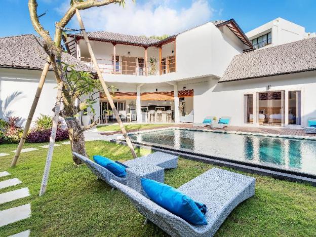 Tropical & Tranquil 7BR in Seminyak-Hiburan Villas