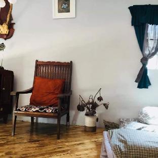 CoCun homestay (Sis house handmade/ Paintings)