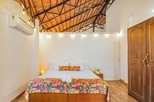 Chic suite with a pool, near Candolim Beach/73831 Goa