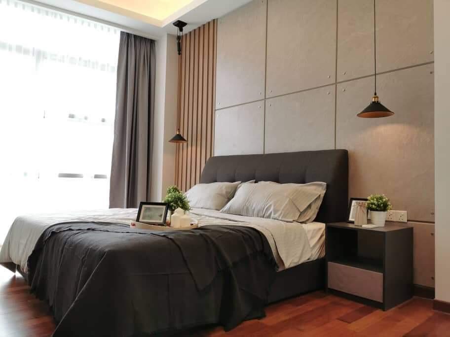 The Azure Residences At Paradigm  new World Hotel