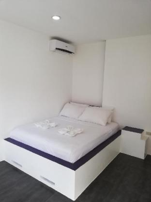 picture 3 of standard room calm, confortable, good location 22