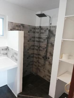 picture 2 of superior room calm, confortable, good location 34