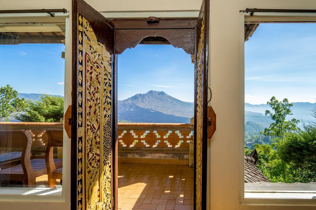 Best Room With Mount View At East Bali