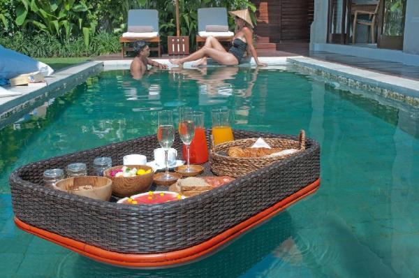 Romantic 2-Bedrooms Luxury Villa Michelle Bali