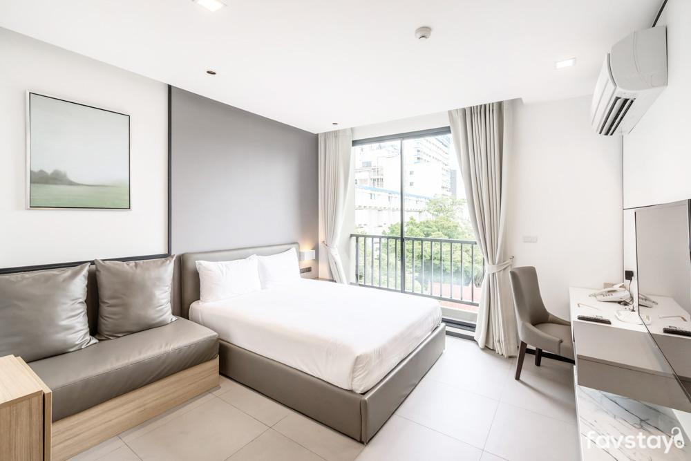 Charming Room With Breakfast Near Bangkok Hospital