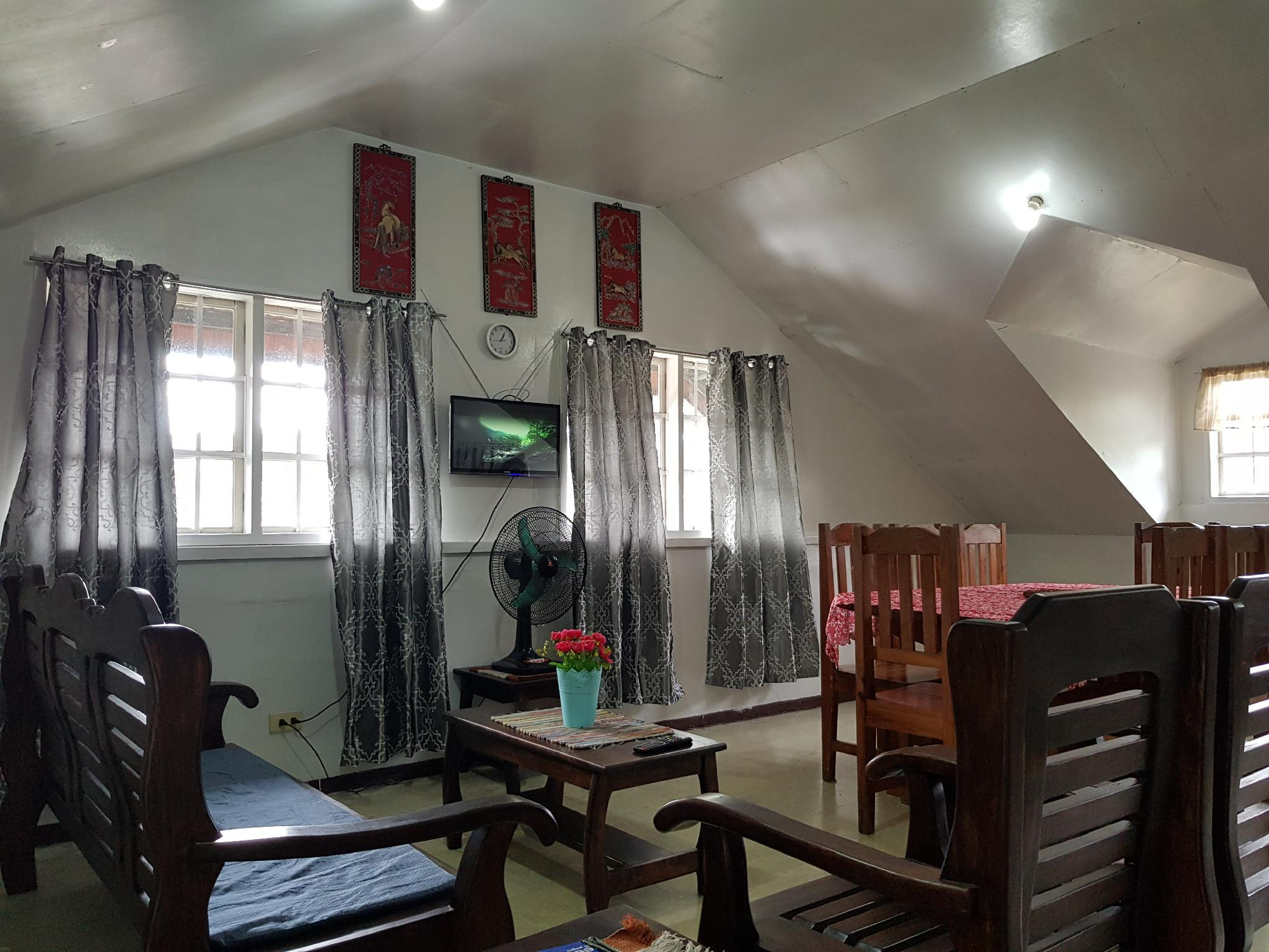 2 BR Attic Baguio Family Home For 7