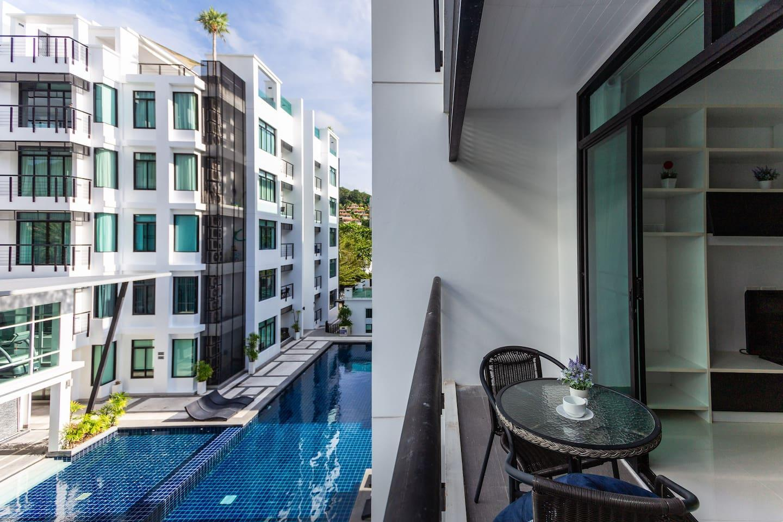 3 Bedrooms Pool View Apartment In Kamala Condo