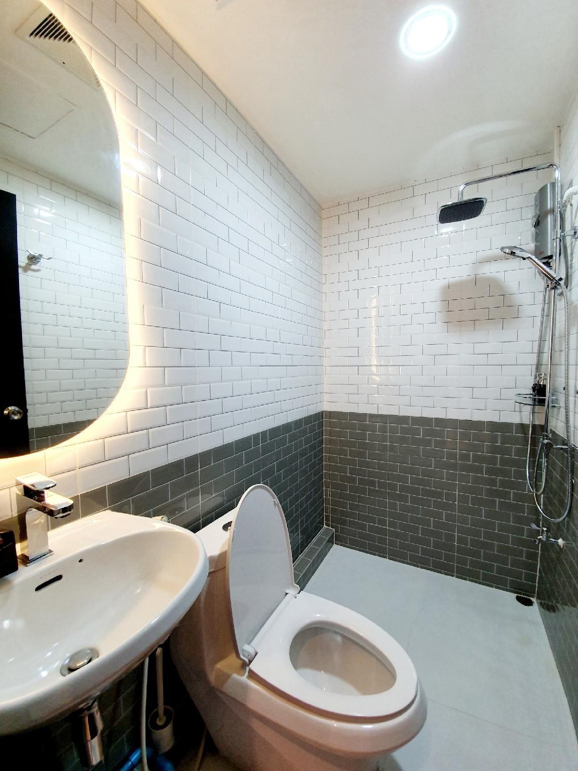 New  Boutique Suite W  Living Room  FL4  Pratunam