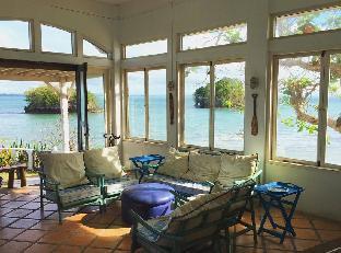 picture 4 of Gorgeous beachfront Mediterranean-Style Villa