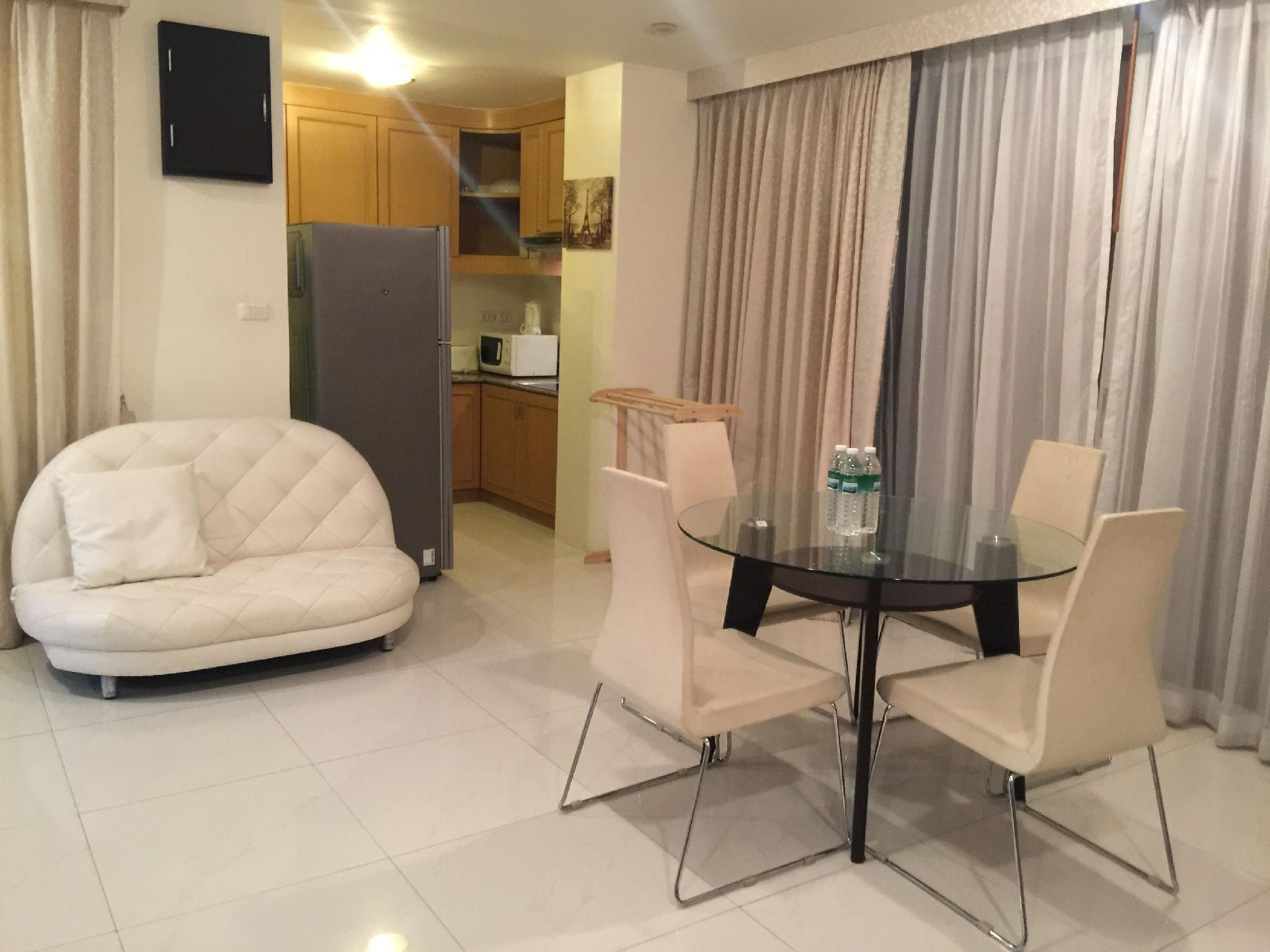 Large Apartment In The Center Of Kata