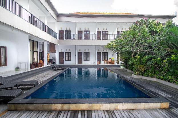 Cheap Space in the heart of seminyak