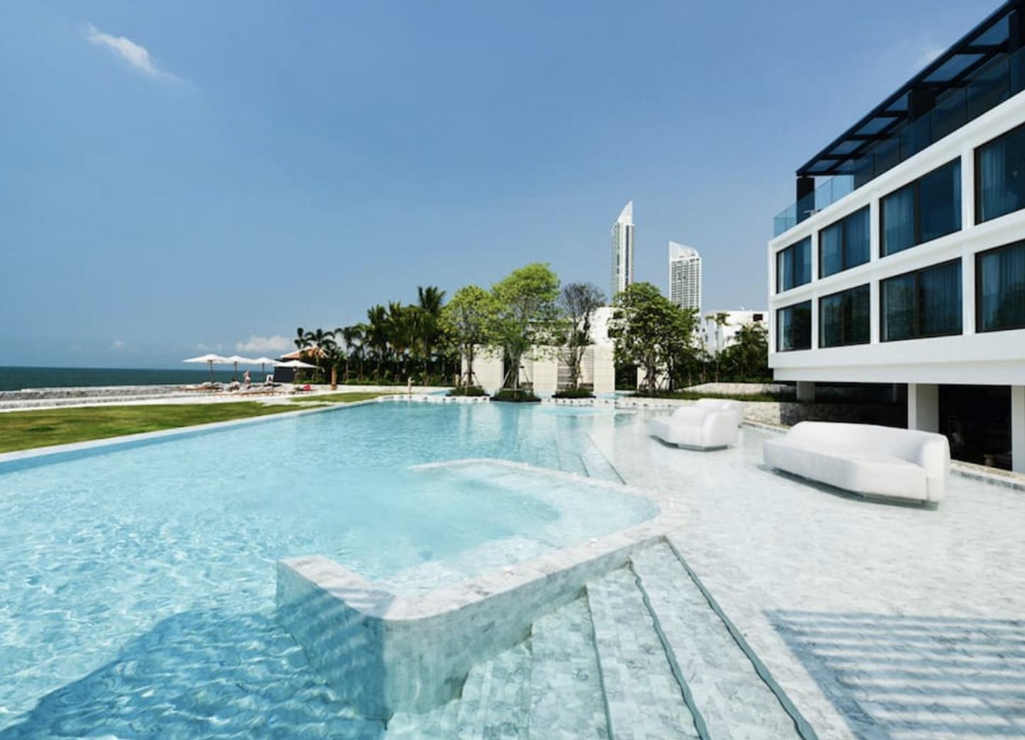 Veranda Residence 22nd Fl 3 BR Amazing Sea Views