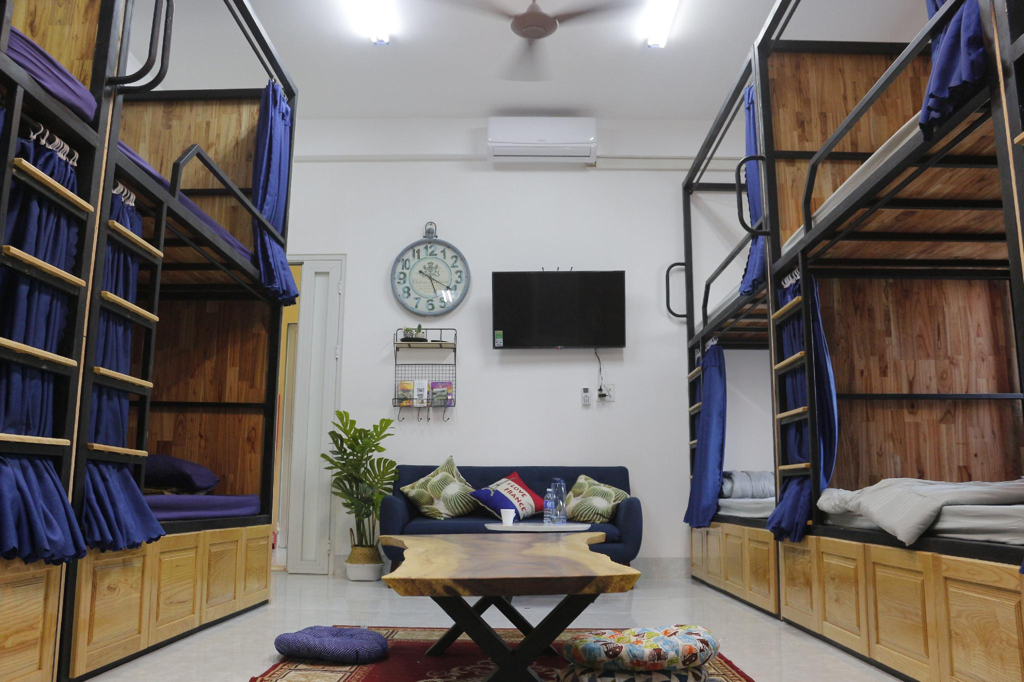 Restful Hostel And Apartment