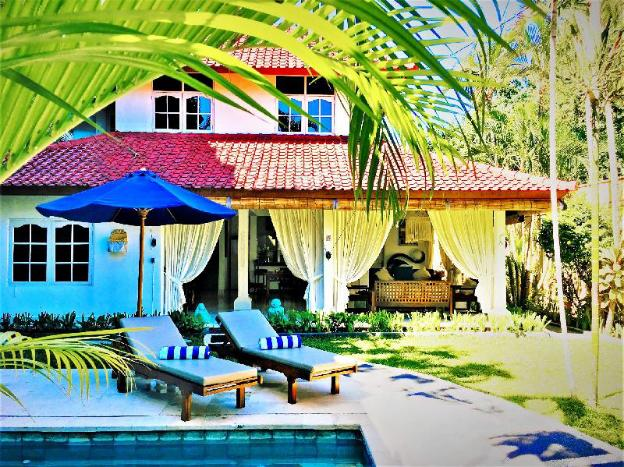 White Villa  3BR with pool and garden in Seminyak