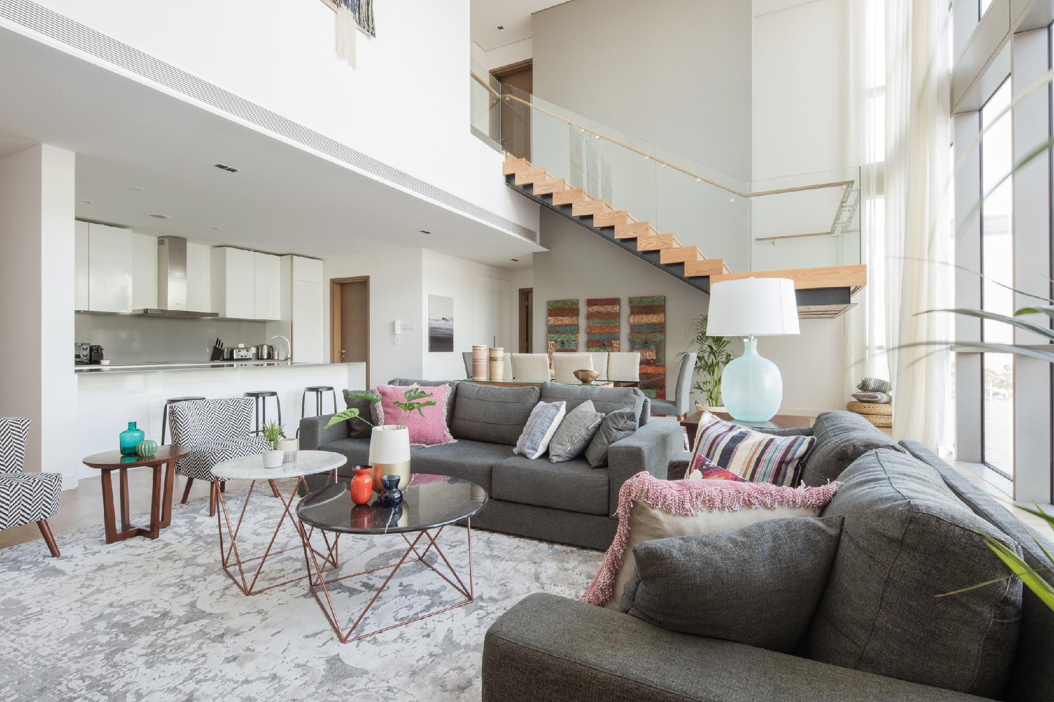 Stunning 3 BR Penthouse With High Ceilings