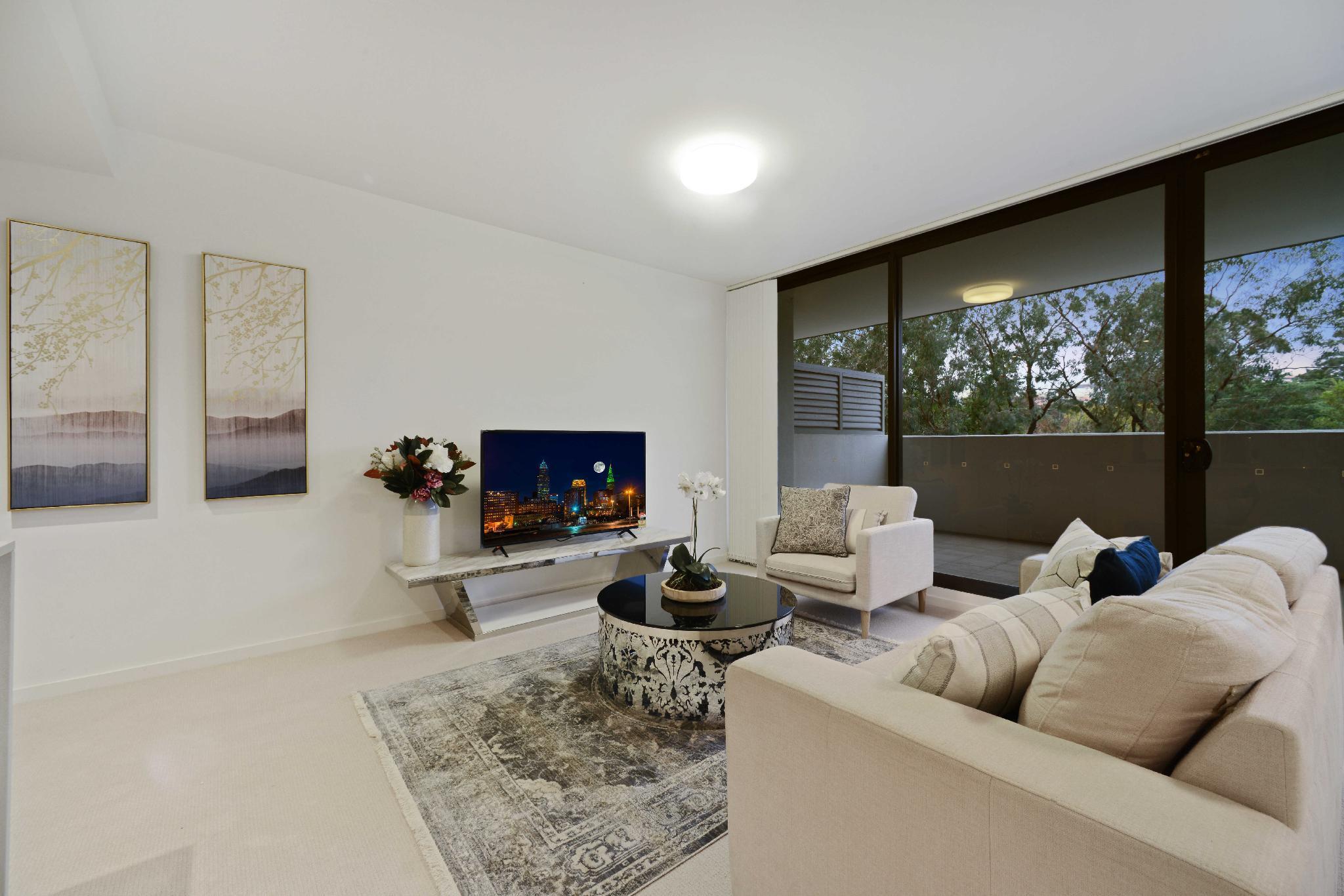 HomeHotel  Spacious Luxury Apt Next To Shopping
