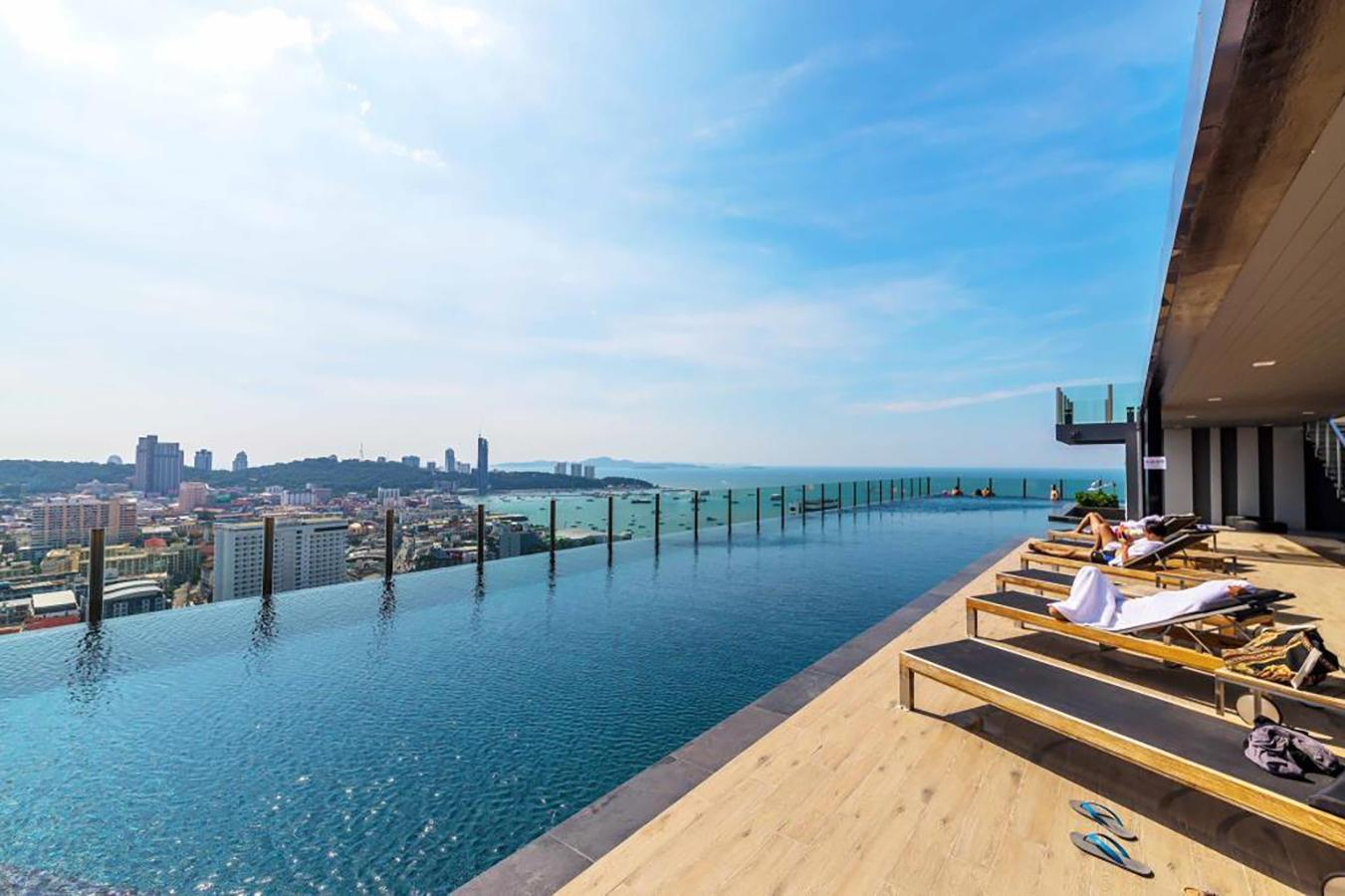 The Base Pattaya 2 Bedrooms Classic Sea View