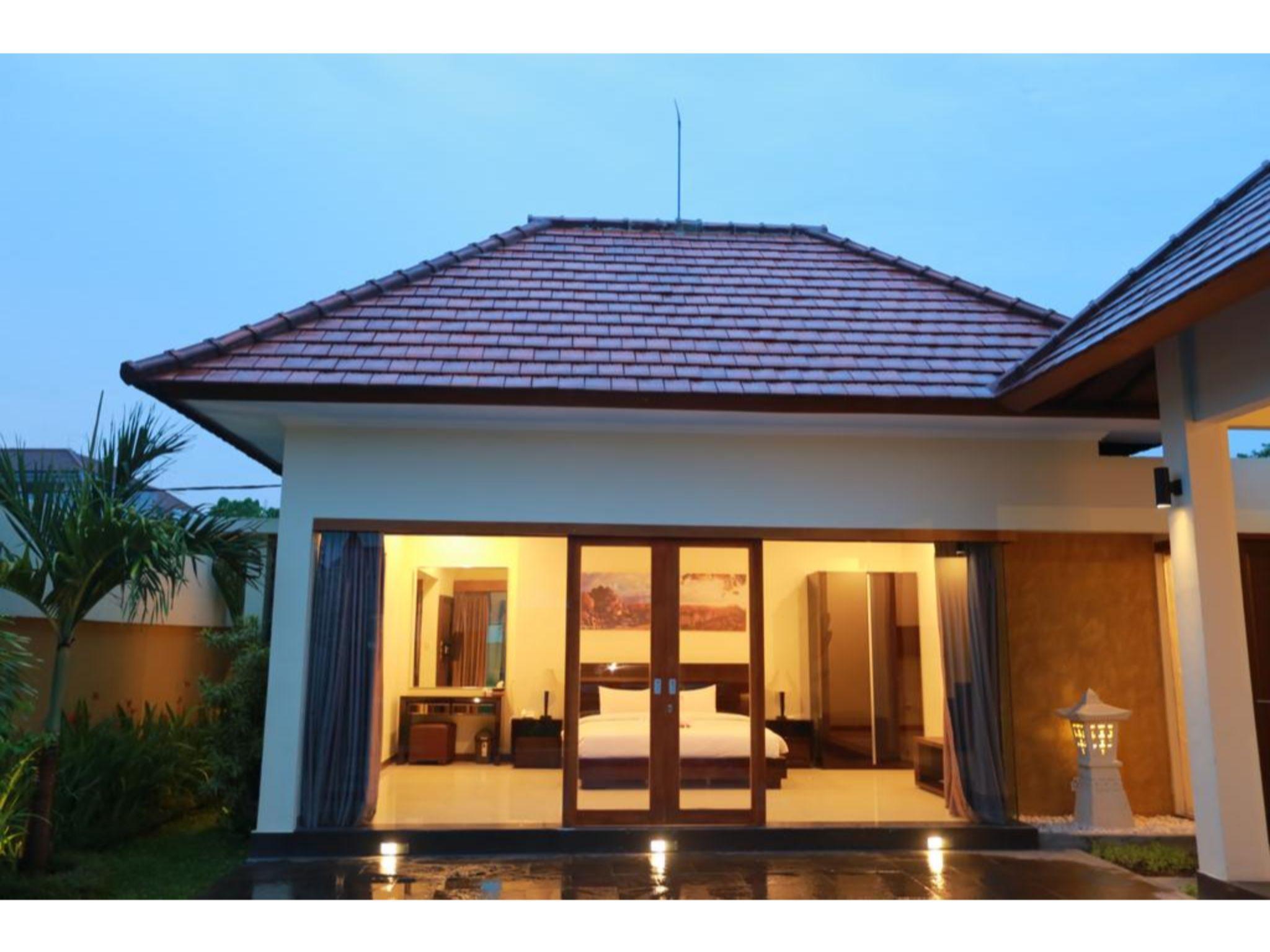 Putri Four Bedrooms Villa Close To Seminyak Center