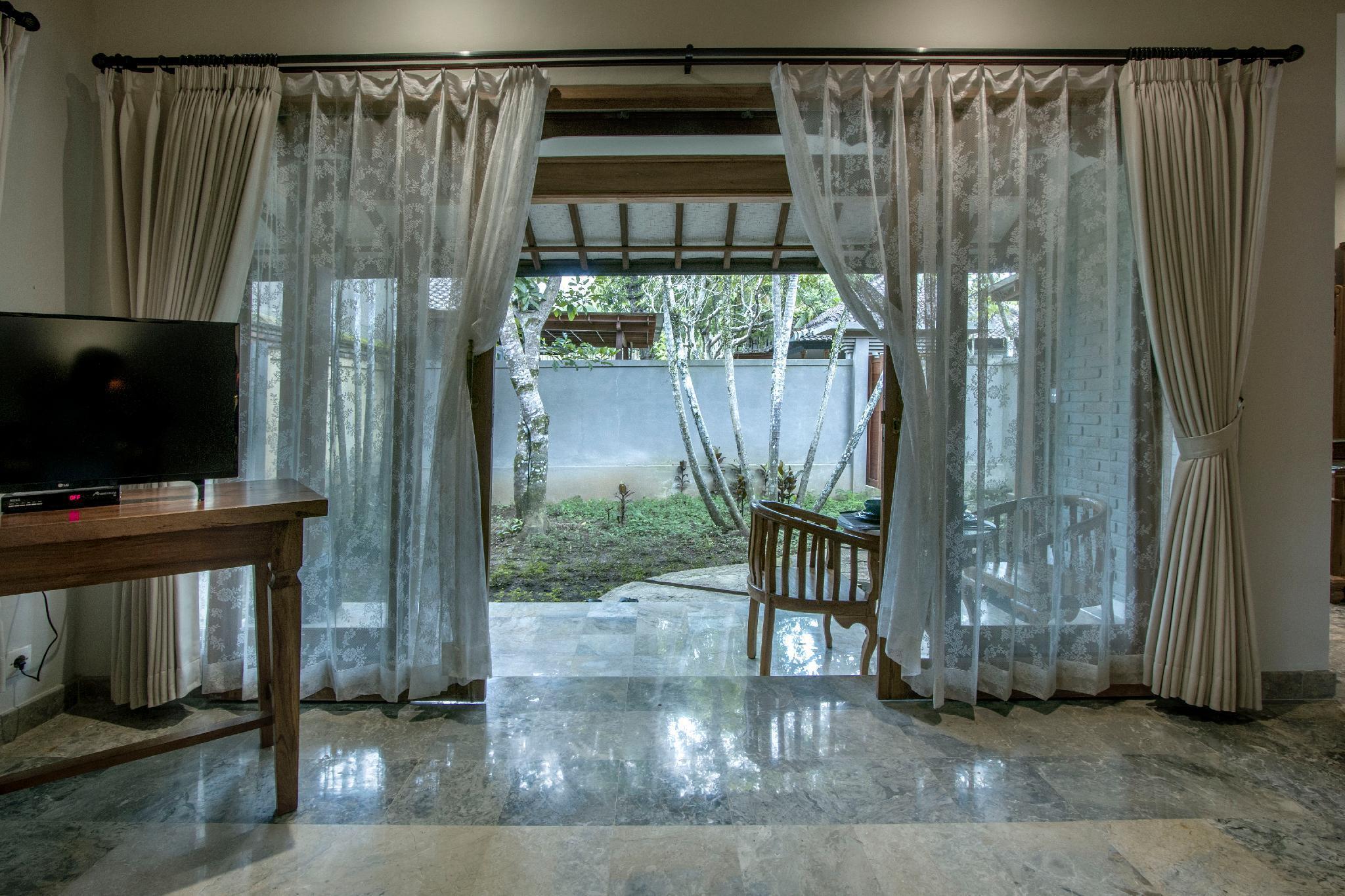 Villa 6  1BR Stunning Villa W  Public Pool At Ubud