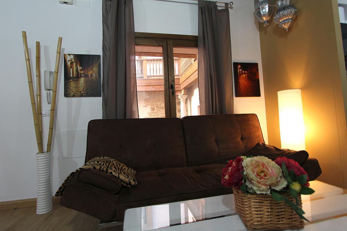 Charming Apartment. Toledo Suite