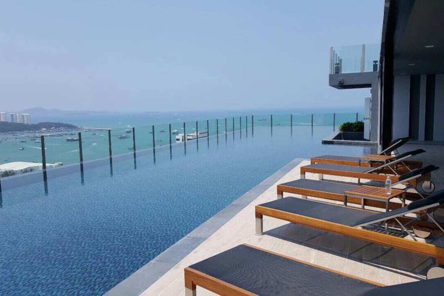 THE BASE CENTRAL PATTAYA BY U PLUS NO.4