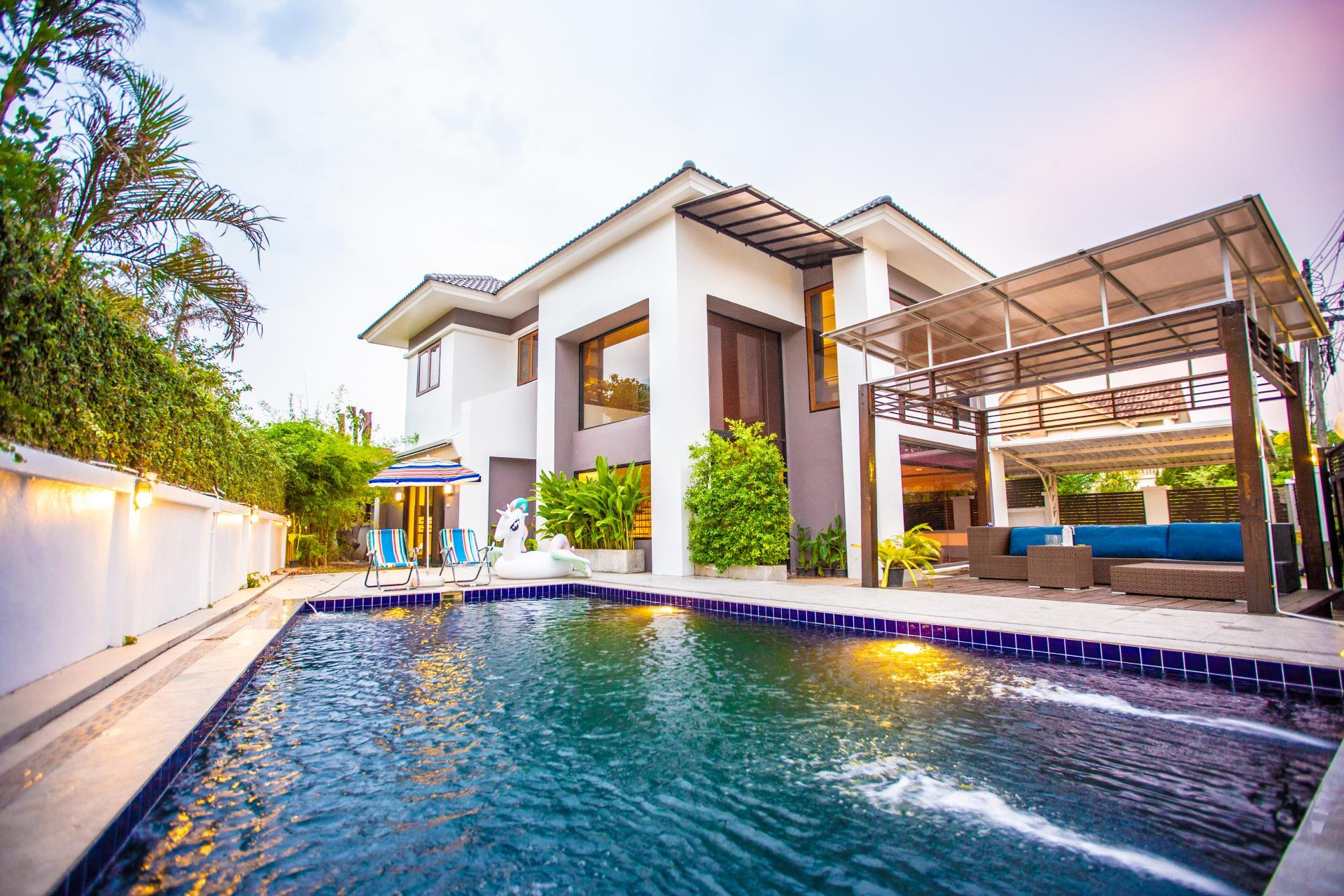 JM House Luxury Private Pool Holiday Villa